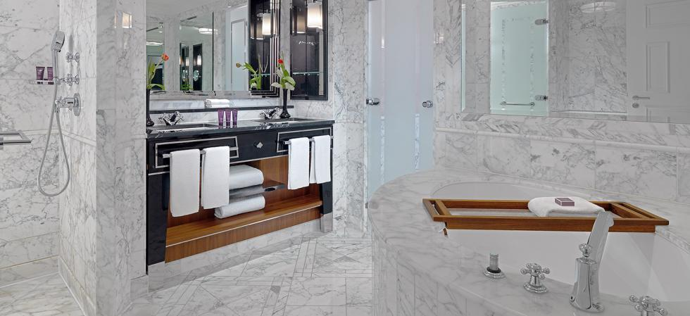 The Ritz-Carlton, Berlin, suite bathroom
