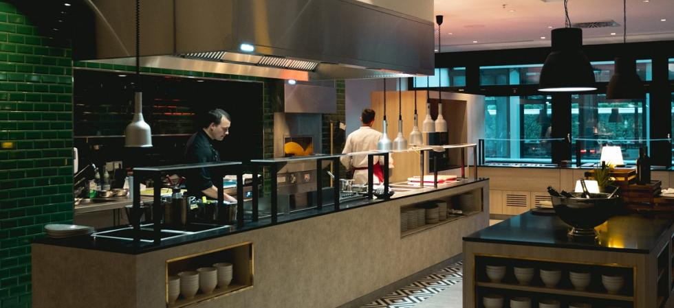 Show kitchen Restaurant Wilsons Crowne Plaza Berlin City Centre